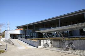 市立図書館 建物外観