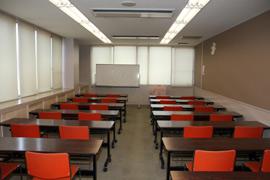2F 学習室(28名)