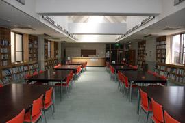 2F 図書室(40名)