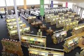 1F 図書コーナー(132名)