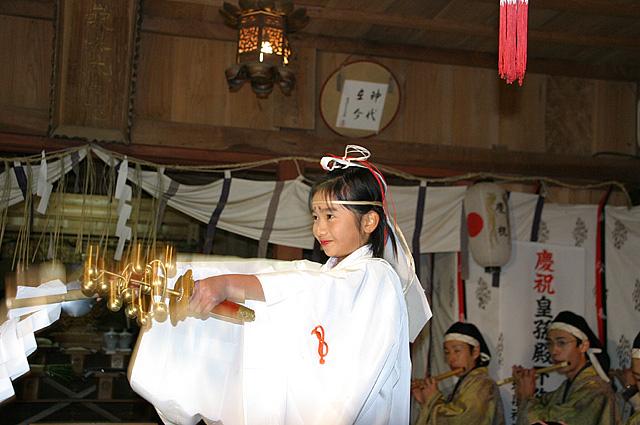 巫女舞神事(大生神社)3大